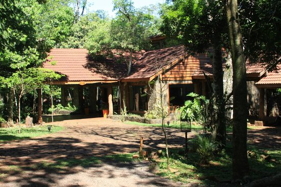Tierra Guarani Lodge: Frente del Lodge