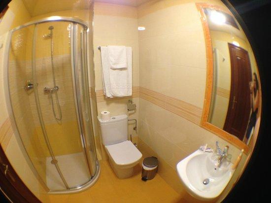 Hostal / Pension Rodri: Salle de Bain - 3e etage