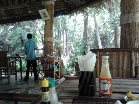 Somkiet Buri Resort: dining in nature