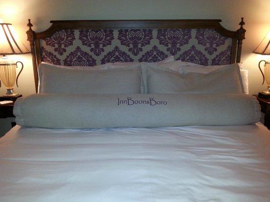 Inn BoonsBoro: Elizabeth and Darcy Room
