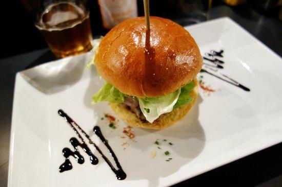 West Coast Gourmet Burgers: Cheese