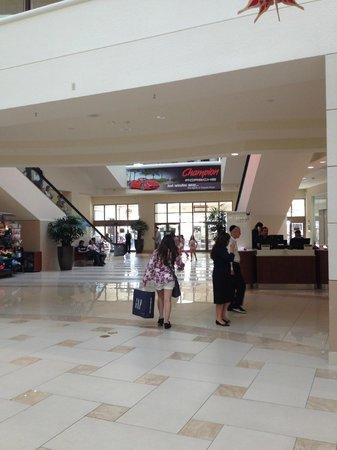 Aventura Mall: Floor 1