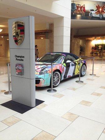 Aventura Mall: Porsche 2