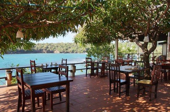 Cabier Ocean Lodge: Frühstück & Dinnerterrasse & Bar