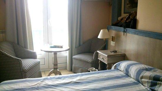 Hotel Ziryab: Room