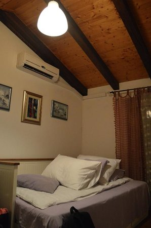 Limestone House: Double Room @ night