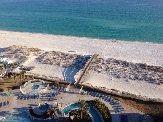 Holiday Inn Resort Pensacola Beach: Beautiful view from my balcony.
