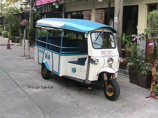 Sena Place Hotel: This is a tuk-tuk