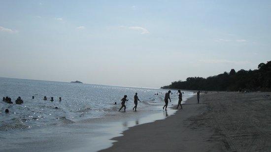 Sheraton Bijao Beach Resort: Bijao - Beach low tide