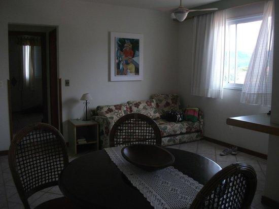 Pousada Abaete: Comedor y sala de estar
