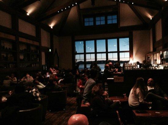 Hyatt Regency Lake Tahoe Resort, Spa and Casino: Lone Eagle Grill - apres ski