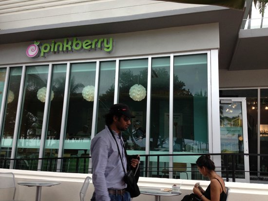 Pinkberry: Main entrance