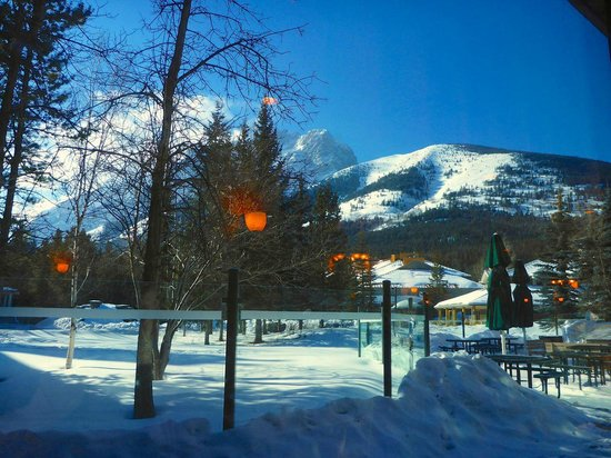 Delta Hotels by Marriott Kananaskis Lodge: view from Fireweed Grill