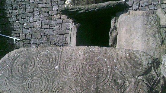 Bru na Boinne: Entrance at Newgrange