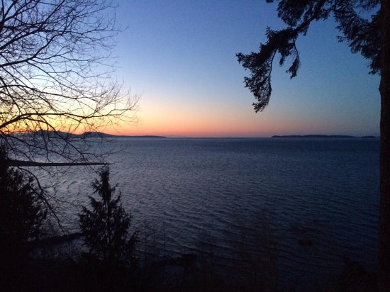 The Salish Seaside Escapes: Sunset from the deck