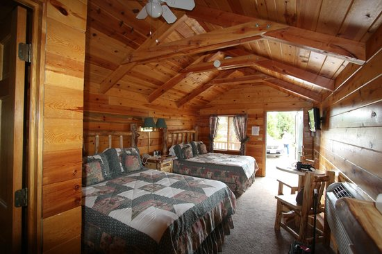 Bryce Canyon Country Cabins: Double queen individual cabin
