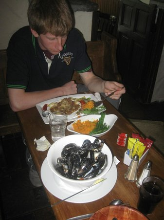 O'Connors Pub Doolin : Excellent food...especially the mussels!!
