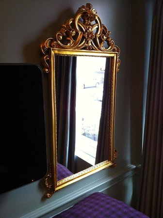 Francis Hotel Bath - MGallery by Sofitel : Fancy mirror