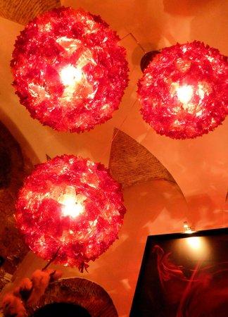 Restaurante Sacramento : Chandeliers in the restaurant