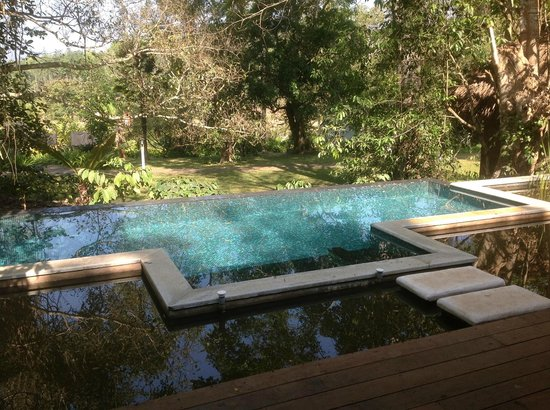 Evolve Back, Coorg: in cottage pool