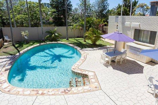 Bay Air Motel: Pool area