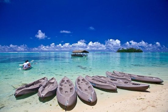 Pacific Resort Rarotonga: Kayaking on the lagoon