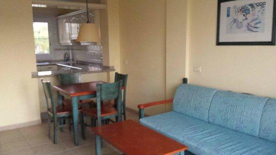 Granada Park Apartments: room