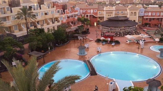 Granada Park Apartments: pool