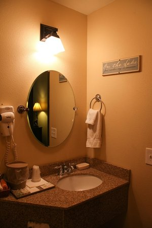 Jacob Lake Inn: Bathroom