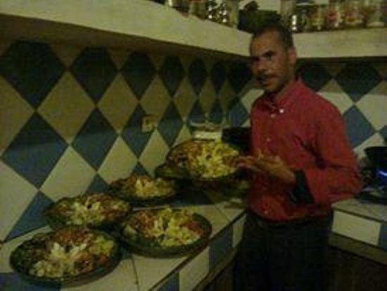 Restaurant les Amis: me omar the owner