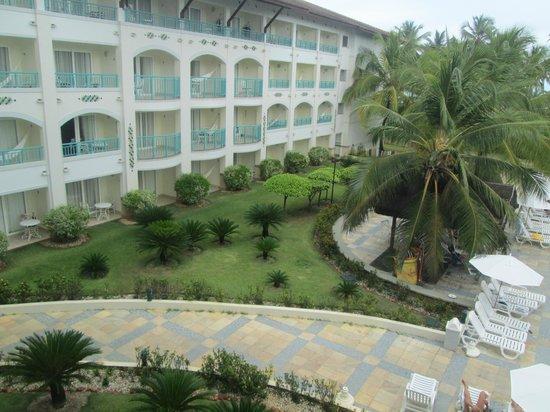Sauipe Resorts: Vista da piscina para o resort