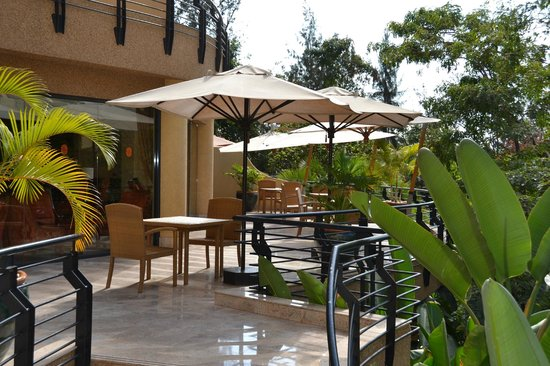 Kigali Serena Hotel: Outdoor eating area