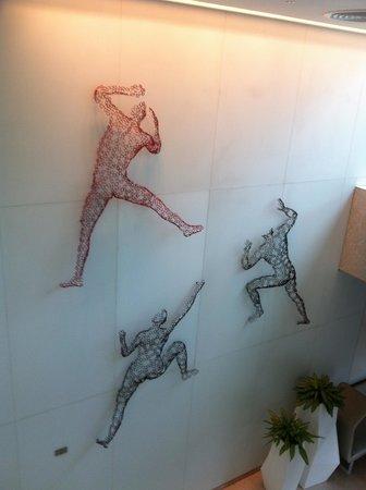 Capri by Fraser Changi City : Foyer art