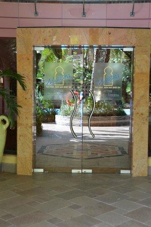 Kigali Serena Hotel: Hotel grounds
