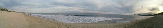 Hyatt Ziva Los Cabos: ocean waves