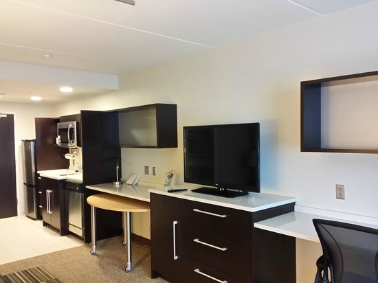 Home2 Suites by Hilton Philadelphia - Convention Center, PA: The hotel room