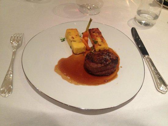 Domaine de la Tortiniere : Jantar...