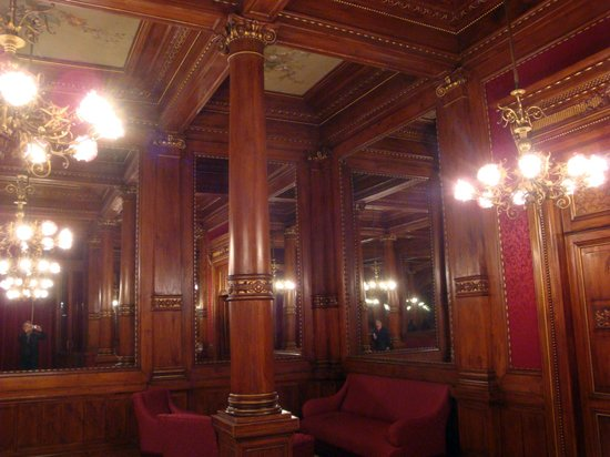 Teatro Massimo: The lounge for the King of Italy, although he never visited