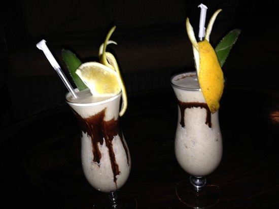 Robert's Grove Beach Resort: Drink prepared by bartender upon request: The Dirty Monkey