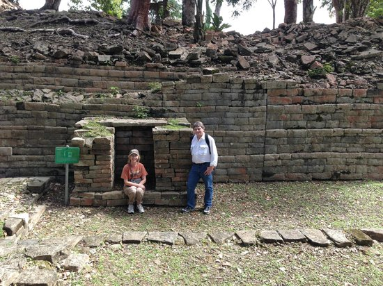 Robert's Grove Beach Resort: Trip to Mayan Ruins