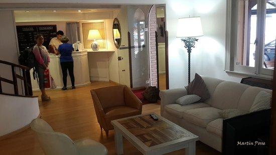 Hotel Milano: Living, zona de  internet
