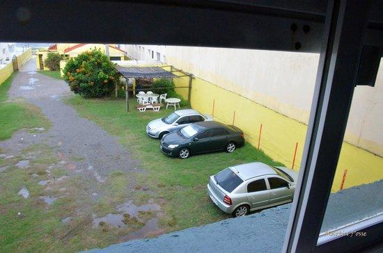 Hotel Milano: Vista  del estacionamiento ( hab. 14)