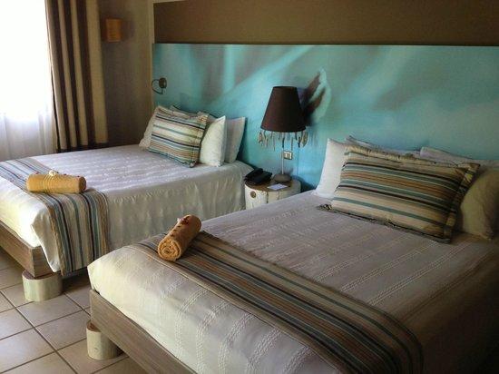 Cala Luna Luxury Boutique Hotel & Villas : 2 queen bed room