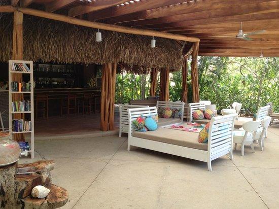 Cala Luna Luxury Boutique Hotel & Villas : Pool bar area