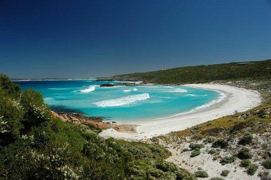 Bremer Bay Beaches Resort & Tourist Park: One of many beautiful beaches surrounding Bremer Bay Beaches