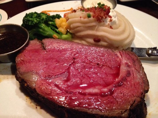 E&E Stakeout Grill: The Sunday evening prime rib.