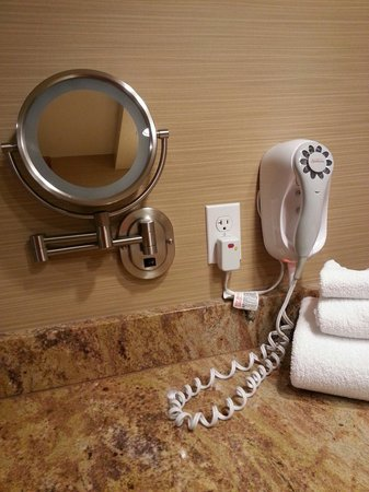 The Lodge Casino: Mirror and hair dryer