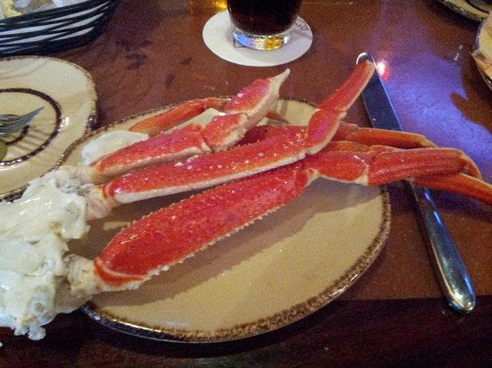 Aulani, a Disney Resort & Spa: First plate of crab legs at buffet