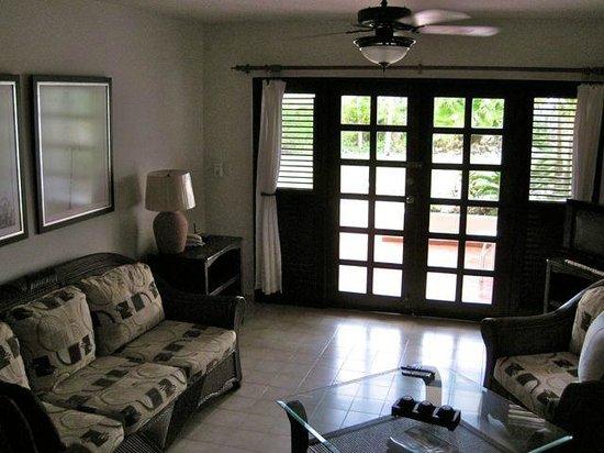 Cabarete Beach House at Nanny Estates : lounge area with private patio outside
