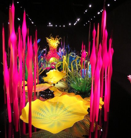 Chihuly Garden and Glass: Which adjective to use here?